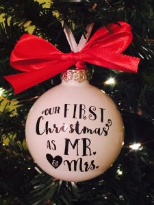christmas-ornament-mr-mrs-diy-free-cut-file