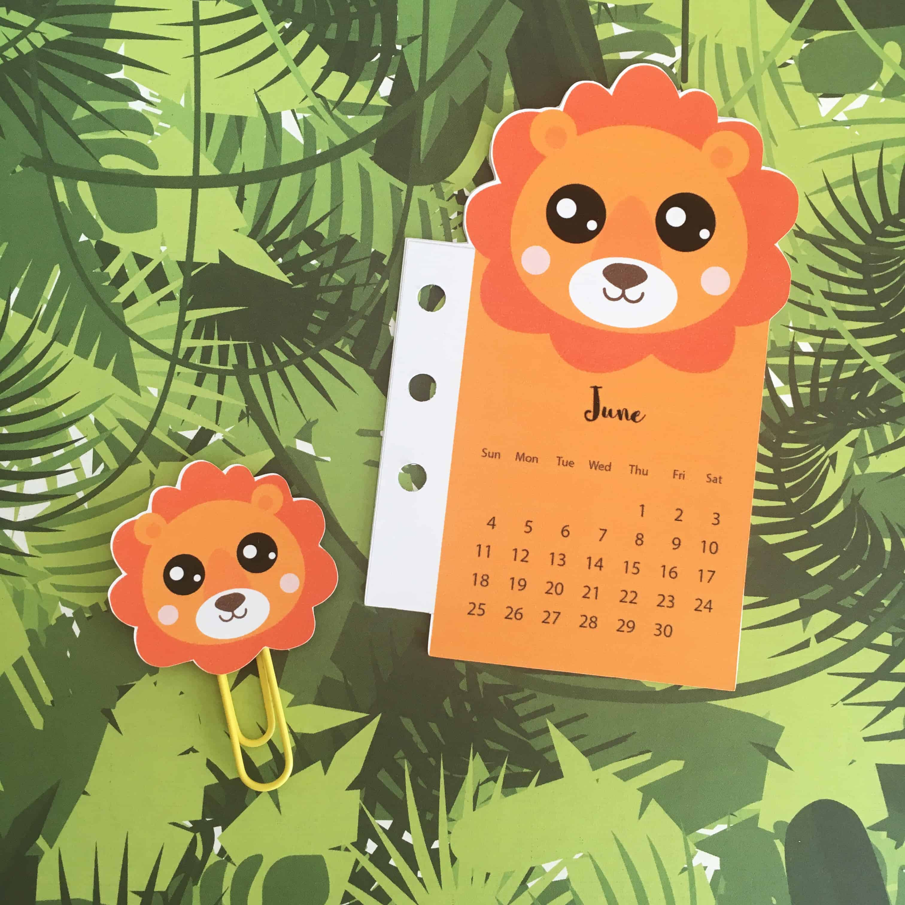 Lion Calendar Divider + Paperclip for your planner - FREE Printable